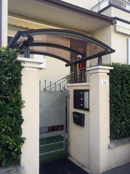 Vendita-tettoie-per-ingressi-condomini-Reggio-Emilia