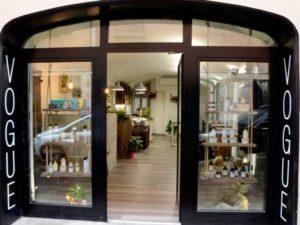 Installazione vetrate per negozi abbigliamento reggio for Negozi arredamento reggio emilia